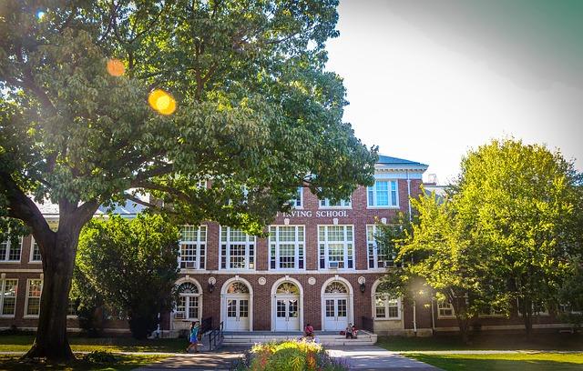 school 710056 640 - アメリカ高校留学の4つの方法。費用、メリット・デメリットを徹底比較!
