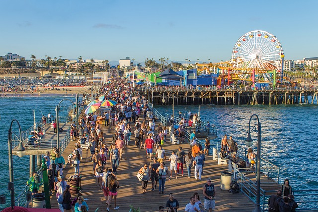 santa monica pier 1630451 640 - ロサンゼルス留学が人気な理由。基本情報とメリット・デメリット完全ガイド
